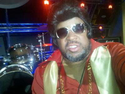 Elvis Haunts Me